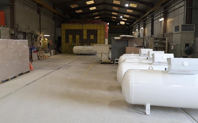 csc rénovations de réservoirs atelier dédié cabine grenaillage et peinture ponçage